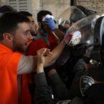 الهلال الأحمر الفلسطيني: ارتفاع الإصابات لأكثر من 305 خلال مواجهات الأقصى