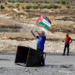إصابة فلسطينيين اثنين خلال قمع الاحتلال مسيرة جنوبي نابلس