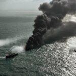 محاولات للسيطرة على حريق بسفينة تحمل مواد كيميائية في سريلانكا