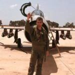 تحطم طائرة حربية في أثناء العرض العسكري للجيش الليبي