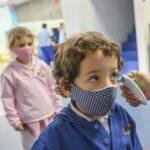 «آثار مدمرة» لوباء كوفيد-19 على الأطفال في العالم