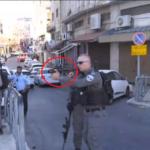 كاميرا الغد ترصد لحظة استهداف جندي إسرائيلي لأهالي القدس