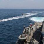قوات روسية تطلق أعيرة تحذيرية لمدمرة بريطانية في البحر الأسود