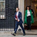 ضجة في بريطانيا بعد فضيحة جنسية لوزير الصحةمع مساعدته