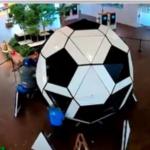 «ليجو» تعرض أكبر كرة مصنوعة من المكعبات