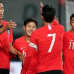 كوريا تتصدر مجموعتها بتصفيات آسيا وسون يدعم إريكسن