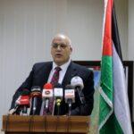وزير فلسطيني يستمر في الحكومة على غير رغبة حزبه