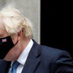 جونسون يحض مواطنيه على الحذر رغم تراجع الإصابات بكورونا في بريطانيا