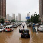 مقتل 21 شخصاً في الصين جراء أمطار غزيرة