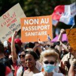 احتجاجات في باريس ضد إجراءات حكومية لمكافحة كورونا