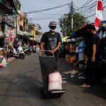إندونيسيا تمدد قيود كورونا حتى الثاني من أغسطس