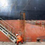 العالم يواجه نقصا في بحارة السفن التجارية