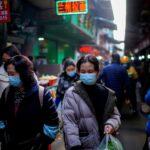الصين تسجل 64 إصابة جديدة بكوفيد-19