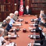 الرئيس التونسي يجتمع بأعضاء المجلس الأعلى للجيوش