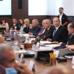 إسرائيل تصادق على تجميد أموال الأسرى الفلسطينيين