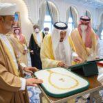 تأسيس مجلس تنسيق سعودي عُماني وسط تبادل للأوسمة
