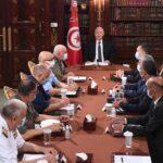 الرئيس التونسي يعقد اجتماعا طارئا للقيادات العسكرية والأمنية