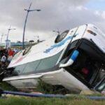 مقتل 8 وإصابة العشرات في حادث انقلاب حافلة بالمجر