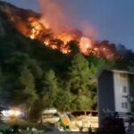 جهود مضنية لإخماد 16 حريقا في تركيا والنيران تقترب من محطة كهرباء