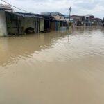 سيول جارفة تغرق العاصمة التجارية للكاميرون بعد هطول أمطار غزيرة