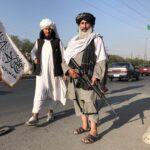 طالبان: ملتزمون بتعهدنا فيما يتعلق بعمليات الإجلاء