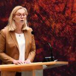 وزيرة: 700 هولندي موجودون في أفغانستان والفوضى تعم المطار