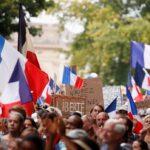 تواصل المظاهرات المنددة بـ «الشهادة الصحية» في فرنسا