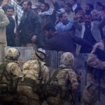 مراسلنا: سيتم نقل الأفغان المتعاونين مع الجيش البريطاني إلى بريطانيا