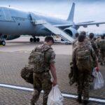 بريطانيا تواصل عمليات الإجلاء من أفغانستان