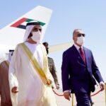 الكاظمي يستقبل الشيخ محمد بن راشد في مطار بغداد