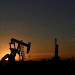 النفط يرتفع جراء المخاوف بشأن الإمدادات
