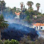 مسؤول بجزر الكناري: حمم بركان في جزيرة إسبانية ستصل للبحر مساء