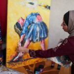 فنانة من غزة تمزج الجمال بالألم في لوحات مستوحاة من فن الباليه