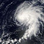 العاصفة المدارية نيكولاس تتجه إلى ساحل ولاية تكساس الأمريكية