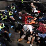 شرطة أستراليا تشتبك مع محتجين مناهضين لإجراءات العزل العام