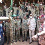 البرهان يؤكد وحدة الجيش مع الشعب لحماية الديمقراطية بالسودان