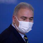 بعد حضوره جلسة الأمم المتحدة.. الإعلان عن إصابة وزير الصحة البرازيلي بكورونا