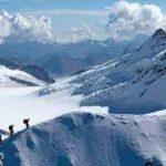 مصرع 5 متسلقين جراء عاصفة ثلجية بجبال إلبروس الروسية