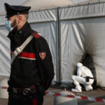 الشرطة الإيطالية تحذر من هجمات مسلحة قد يشنها مناهضو التطعيم
