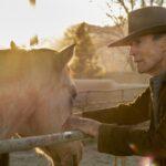 كلينت إيستوود يعتلي حصان «الكاوبوي» مجددا في الحادية والتسعين