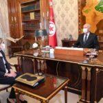الرئيس التونسي يدعو الحكومة للتصدي للمضاربة والاحتكار